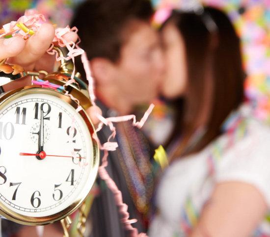 New years midnight kiss